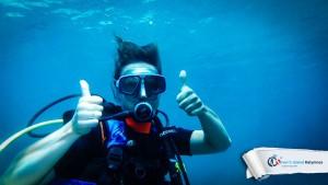 15082015-fun-dive-seal-cave-01